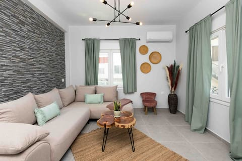 Iliana & Sarra Apartment 2