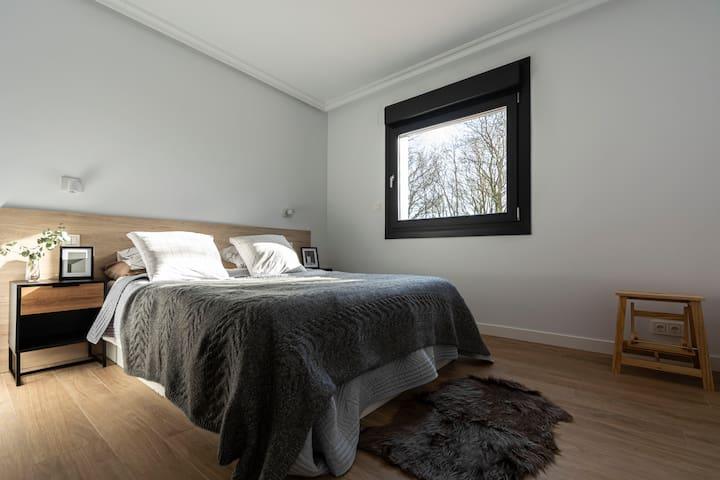 Habitacion doble con cama de matrimonio  2