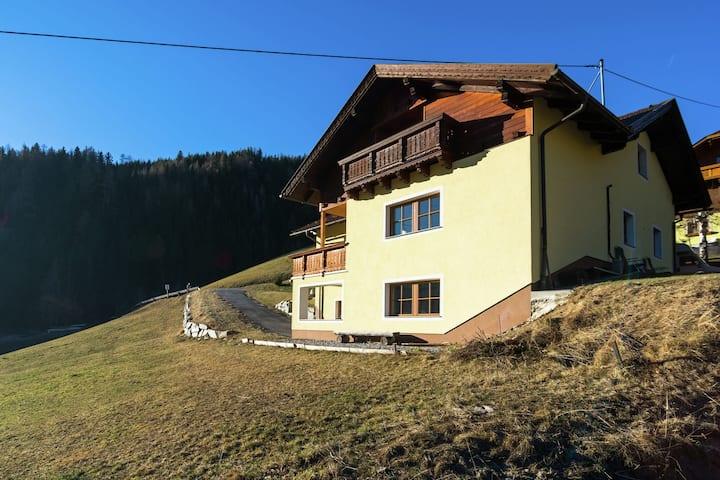 Posh Mountain Villa in Rennweg am Katschberg with Infrared Sauna