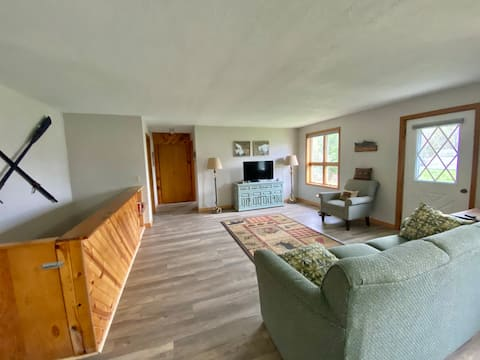 Milk Weed Ave - A cozy home with rustic charm!