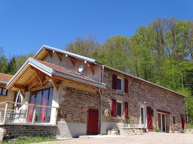 Maison de Charme 4**** avec Piscine + Sauna prive - Uzemain - Casa