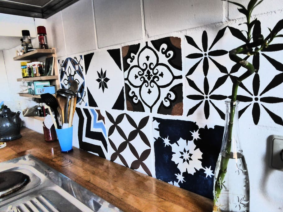Die Küche in der Wohnung integriert - The kitchen integrated