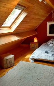 """""""Chambre des loups"""" - Bed & Breakfast"""