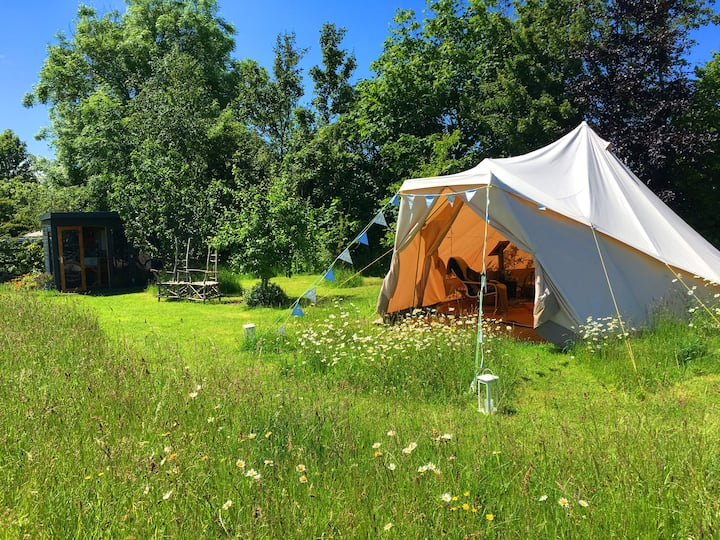 Exclusive Cotswold  Glamping @Part Time Nomad