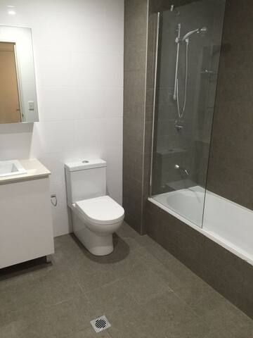 Charming brand new room at Canterbury