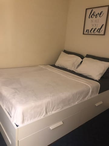 Comfy single private room at quiet area in Queens