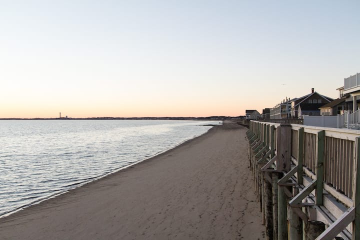 New waterfront condo close to Ptown