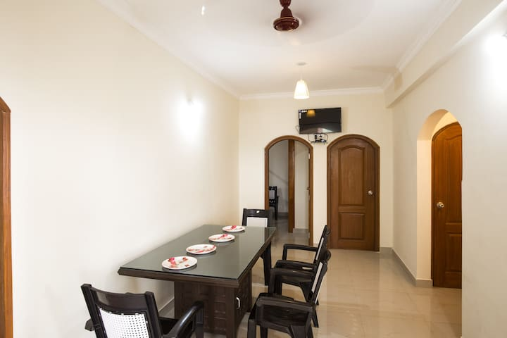 Modern apartment to stay & visit North Goa beaches