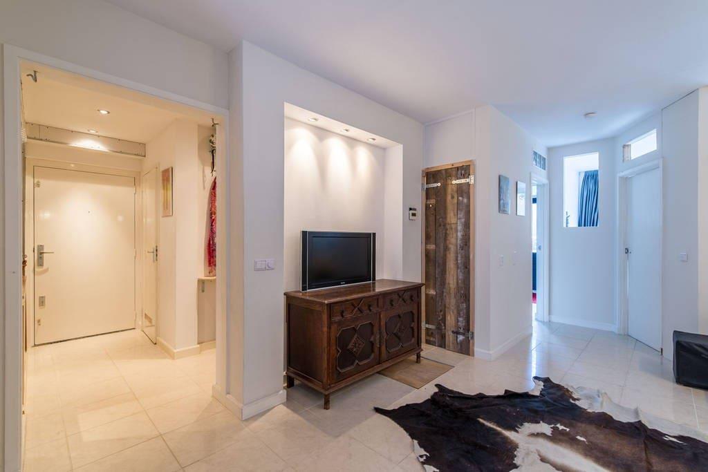 Hallway and lounge