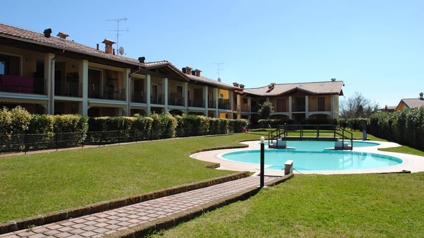 beautiful home to lake garda whith pool!! - Raffa - Apartemen