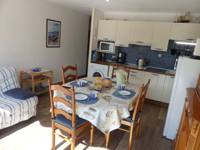 Appartement 4 pers. Plage 300m,  Carnac Plage, 2**