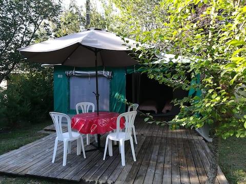 bungalow toilé côté terrasse 4 p 50€ la nuit