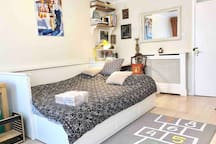 The day-bed can quickly open to 160cm king size double bed with resilient foam mattresses