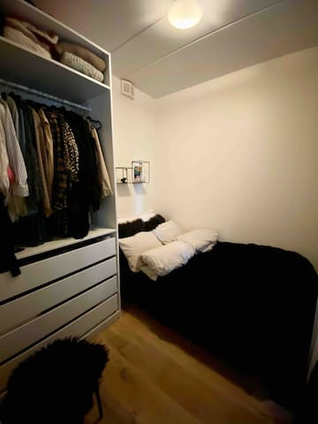 Bedroom with a double bed (120cm), cabinet & shelves