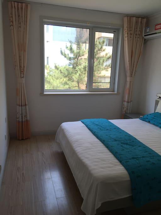 2卧室可以看到海