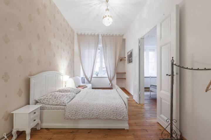 Belle Epoque 2 rooms Flat in Kreuzkoelln