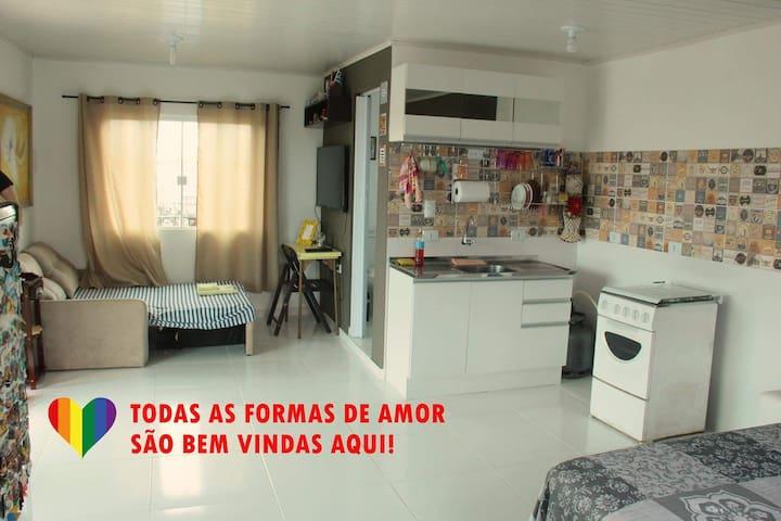 ★ Studio Inteiro | Prox. Expotrade | Com Garagem ★