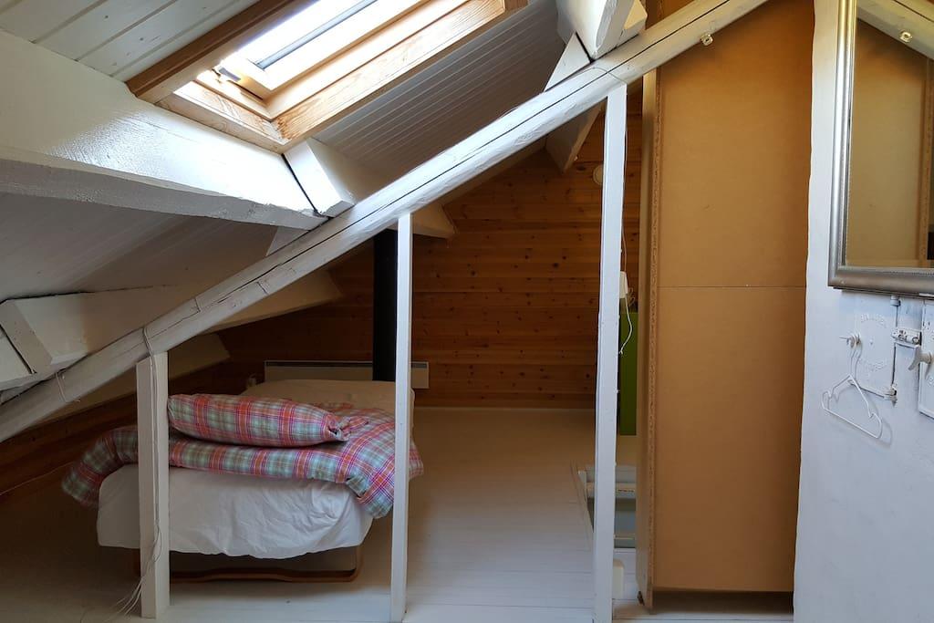 Single bed in the Attic
