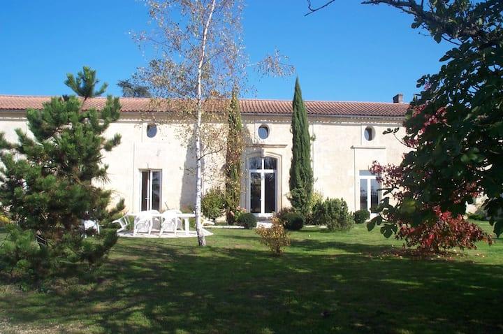 """Château Cajus - Chambre d'hôtes """"Merlot"""""""