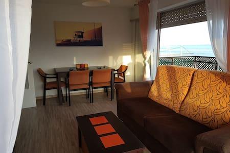 Apartamento en 1° línea de playa lisa Santa Pola.