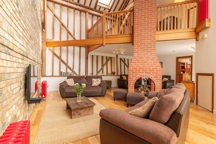 Alder Barn - Beautiful Spacious Barn Conversion