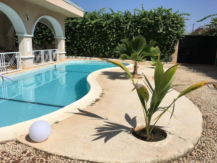 Villa Corrossol - whole house with swimming pool