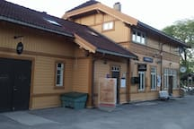 Nittedal trainstation with great hairdresser and a nice cafe inside