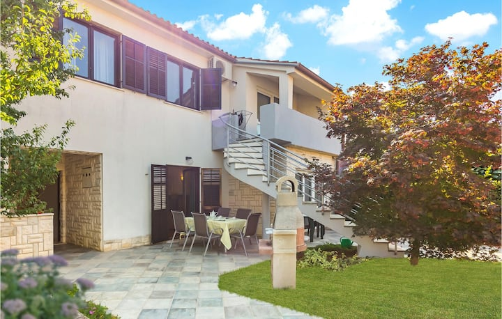 Awesome home in Banjole with WiFi and 1 Bedrooms