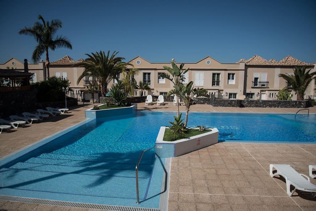 Casa pepa adosados en alquiler en adeje canarias espa a for Pepa en la piscina