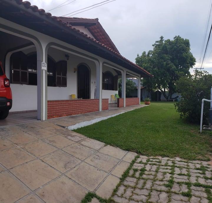 Casa Piscina & Pé no gramado
