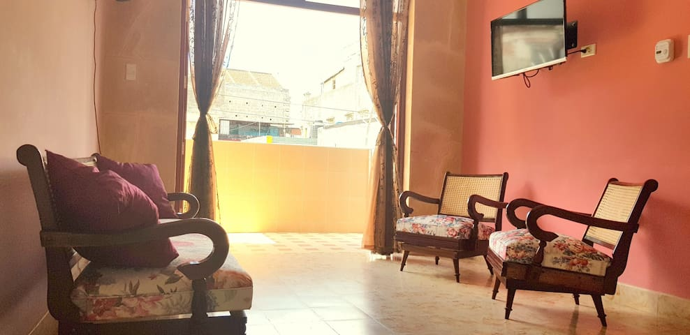 Independent apartment in the center of Old Havana.