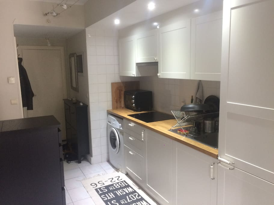 full equipped kitchen (oven+induction plates)