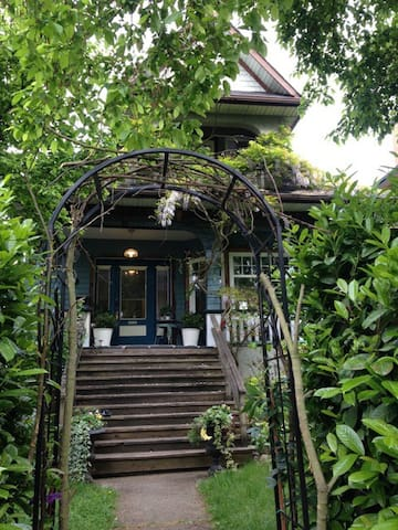 Whole house, Commercial Drive - Vancouver - Huis