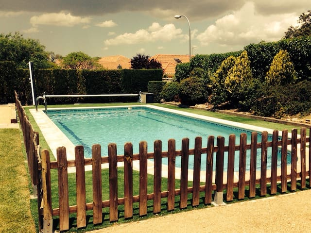 Chalet individual piscina privada - Galapagar - Hus