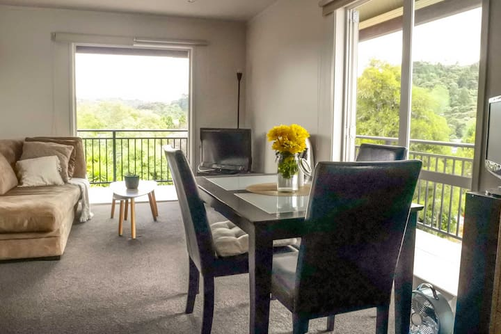 Cosy Corner of Albany Township - Auckland - Apartment