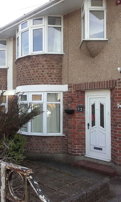 3 Bedroom House In Quiet Residential Area Houses For Rent In Cardiff Wales United Kingdom