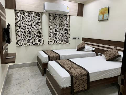 Uber Cool, Modern & Stylish 2BHK In Prime Location