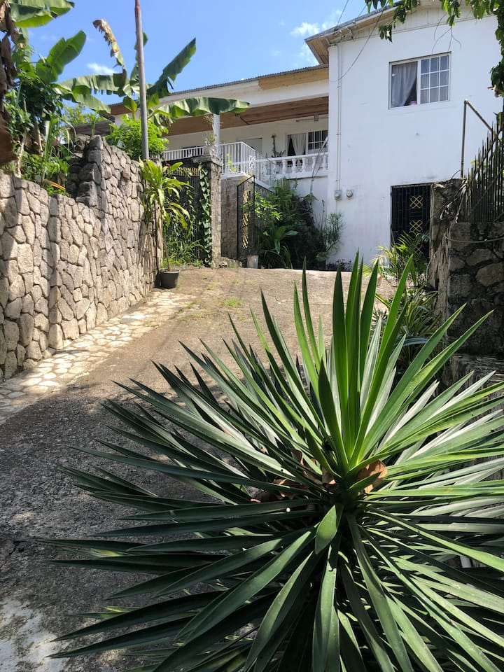 Birdelyn's Villa