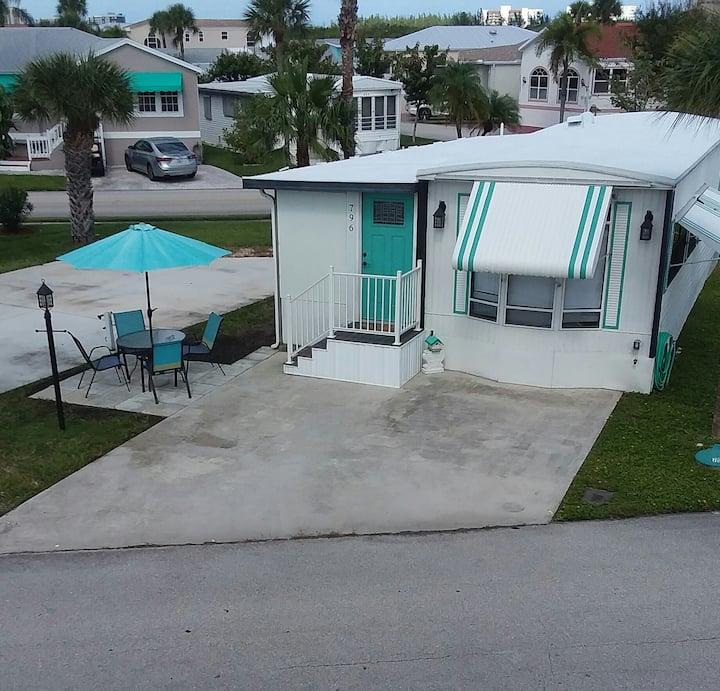 Comfy cottage in  Nettles Island Resort