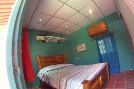Panama Surfing Academy (PSA) RioMar - San Carlos - Bed & Breakfast