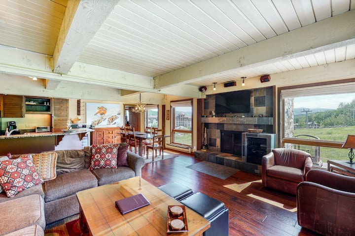 First-Floor Ski-In/Ski-Out Condo w/Shared Pool/Hot Tub/Free WiFi/Gym/Private W/D