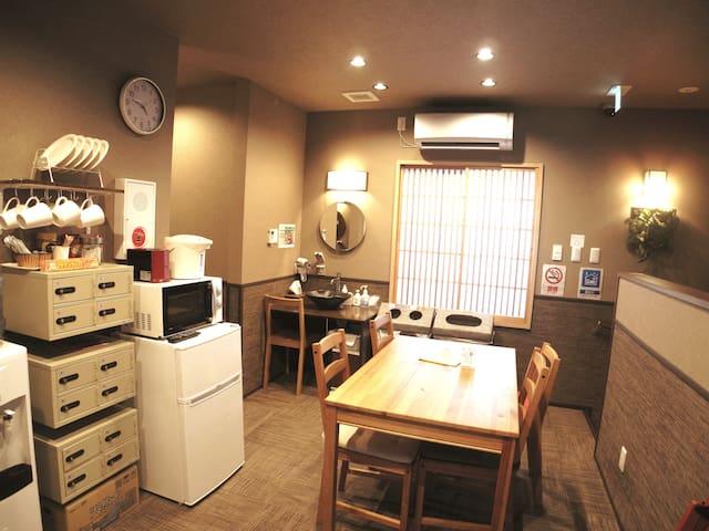 203 池袋新宿渋谷至近  新築清潔/駅近の便利なホステル(女性専用)WIFIフリー/バスタオル付