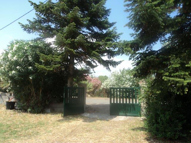 mini villa entre mer et montagne - Ghisonaccia - Rumah