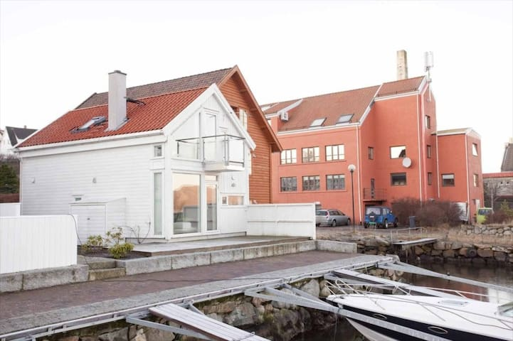 Charming house with own boat - Sandnes - Casa