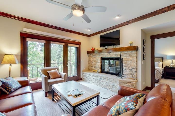 A skiing family's oasis w/ balcony, fireplace, WiFi, W/D & shared pool/hot tub!