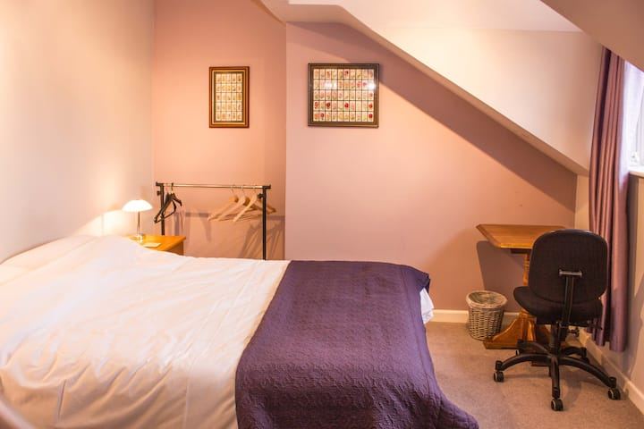 Cosy attic room, adjoining bathroom