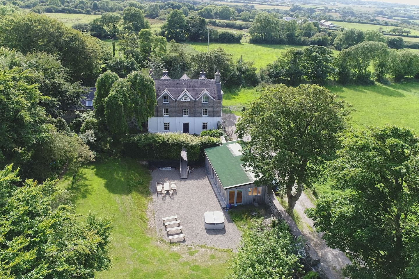 Exclusive use of the Rectory, Retreat Cottage, Huge new Games/Function Room and Hot Tub