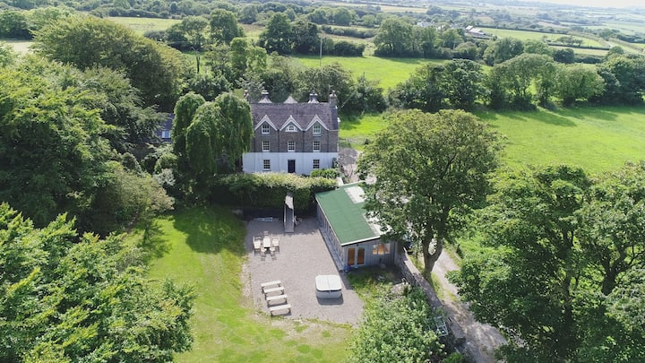 5* The Old Rectory+Cottage Newport
