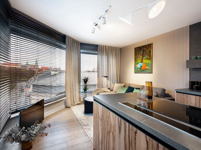 Modern apartment 350 m to the Main Square, AC