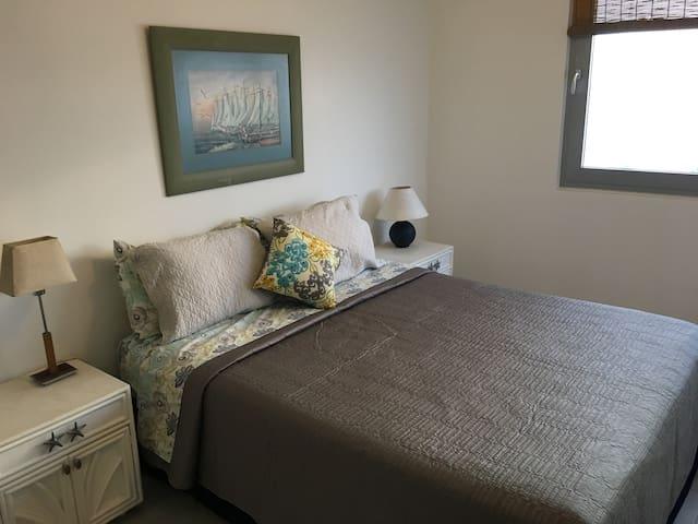2nd bedroom Queen bed.